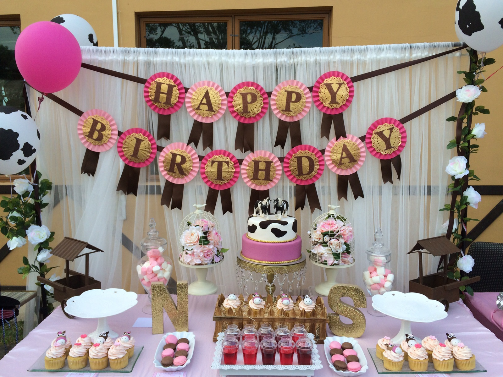 Partymojo 39 s signature dessert table in singapore for Baby shower decoration singapore
