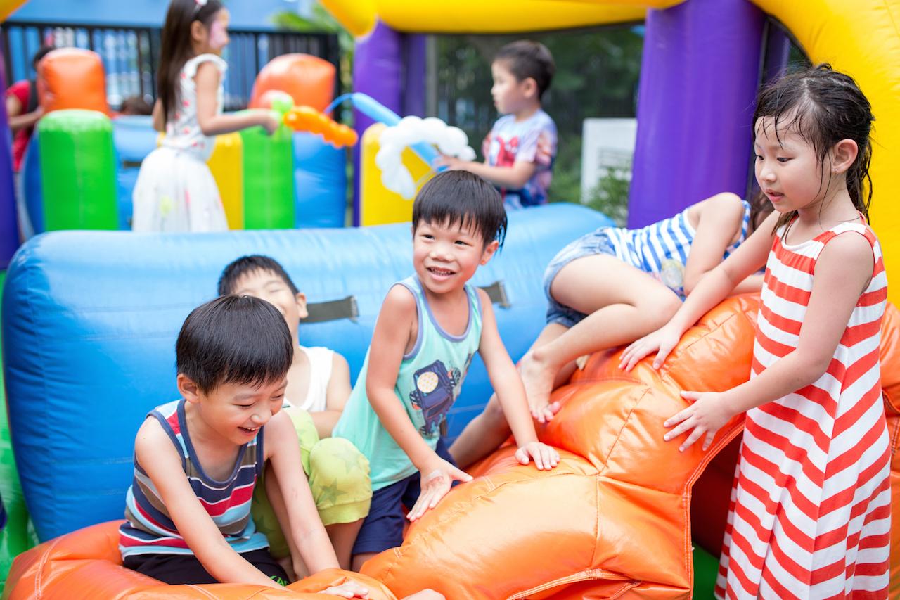 kids party singapore bouncy castle