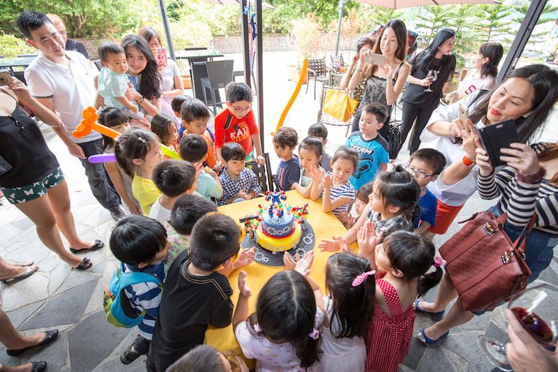 cake cutting cermeony